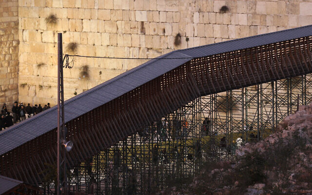 A general view of a wooden footbridge leading up to the Temple Mount in Jerusalem's Old City December 11, 2011. (Nati Shohat/Flash90)