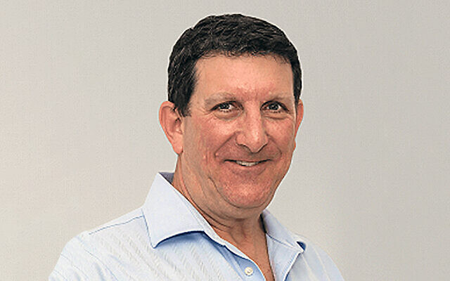 Michael Ben-Ari (Greenfield) wanted for running an alleged $150 million Ponzi scheme that defrauded several hundred US and Israeli investors (Courtesy EGFE)