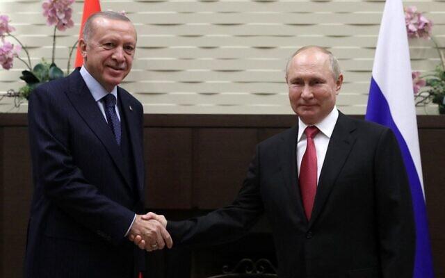 Russian President Vladimir Putin meets with his Turkish counterpart Recep Tayyip Erdogan in Sochi on September 29, 2021. (Vladimir SMIRNOV / POOL / AFP)