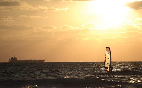 The sun sets over the Mediterranean Sea near Ashkelon on September 12, 2014. (AP/Tsafrir Abayov)