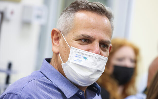 Health Minister Nitzan Horowitz visits  Ziv Medical Center in the northern city of Safed, on August 24, 2021. (David Cohen/Flash90)
