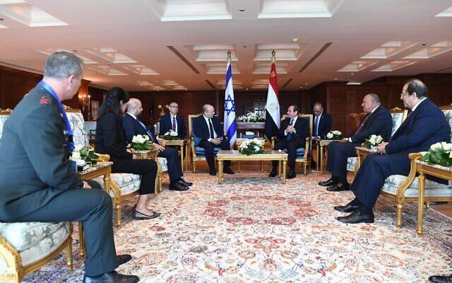 Prime Minister Naftali Bennett and Egyptian President Abdel-Fattah el-Sissi meet on September 13, 2021, in Sharm el-Sheikh. (Kobi Gideon/GPO)