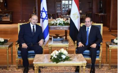 Prime Minister Naftali Bennett (L) and Egyptian President Abdel-Fattah el-Sissi meet on Monday, September 13, 2021 in Sharm el-Sheikh (Credit: Egyptian Presidency)