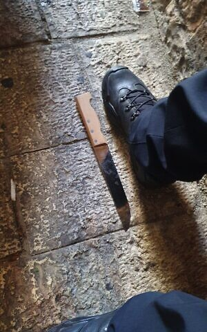 Police: Attacker shot while attempting to stab officers in Old city of Jerusalem, dies later