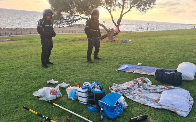 Police at the scene of a stabbing in Jaffa on September 15, 2021 (Israel Police)