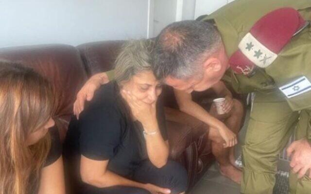 IDF Chief of Staff Aviv Kohavi pays a condolence call on September 5, 2021, to the home of Barel Hadaria Shmueli, a Border Police officer who was shot dead by a Gaza gunman at the border last month (Via Facebook: צועדים בדרך בראל)