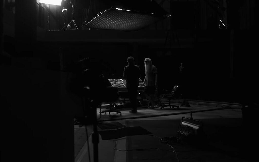 Paul McCartneyey, left, with music producer Rick Rubin in 'McCartney 3,2,1.' (YouTube screenshot/ Hulu)
