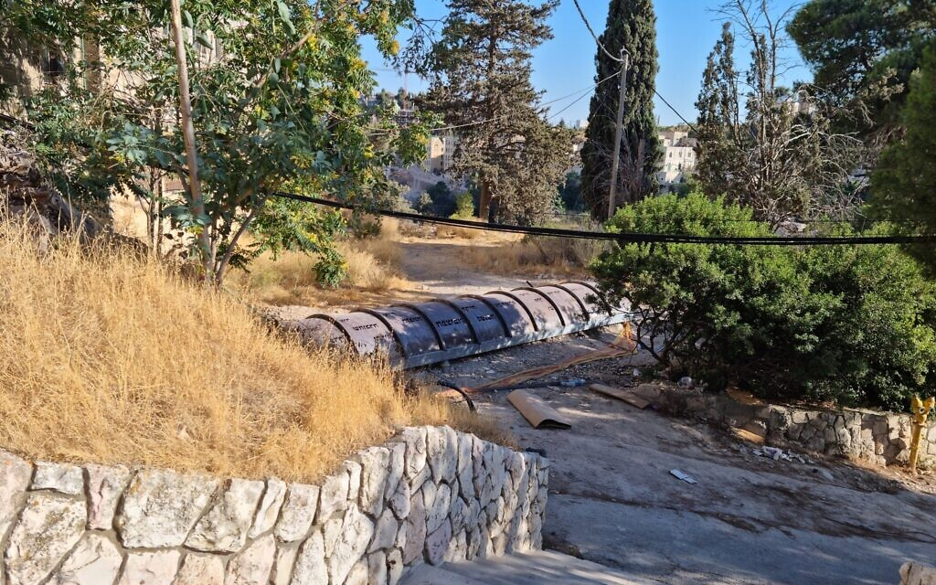 The restores Mount Zion tunnel just below the ground of the Jerusalem University College, also known as the Institute of Holy Land Studies. (Shmuel Bar-Am)