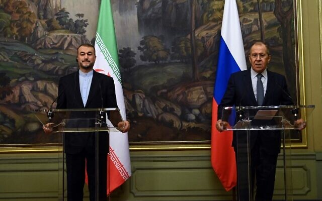 Russian Foreign Minister Sergey Lavrov (R) and his Iranian counterpart Hossein Amir-Abdollahian hold a joint press conference following their meeting in Moscow on October 6, 2021. (KIRILL KUDRYAVTSEV / POOL / AFP)