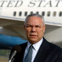 Former US Secretary of State Colin Powell addresses a press conference at Katunayake Military Airport in Colombo, January 7, 2005. (Indranil Mukherjee/AFP)