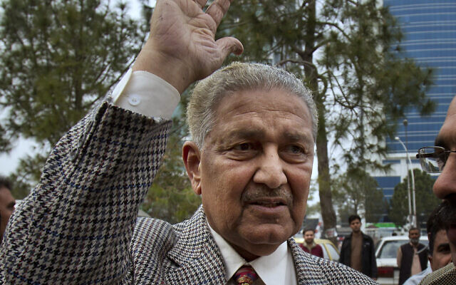 In this Feb. 26, 2013, file photo, Pakistan's nuclear scientist Abdul Qadeer Khan waves to supporters in Islamabad, Pakistan (AP Photo/B.K. Bangash, File)
