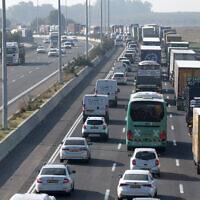 Illustrative: Heavy traffic on Route 6, near Nitzanei Oz, Dec 23, 2019.(Gili Yaari/Flash90)