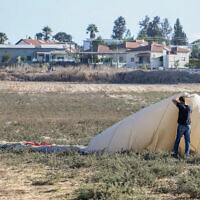The scene where a man fell from a hot air balloon and died near Afula, northern Israel, October 19, 2021(Meir Vaknin/Flash90)