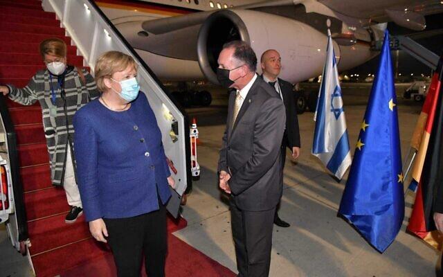 German Chancellor Angela Merkel arrives at Ben Gurion Airporty on her farewell visit to Israel, on October 9, 2021. (Shlomi Amsalem/Foreign Ministry)