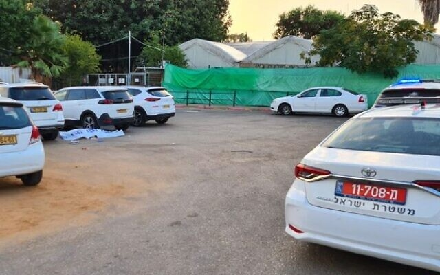 The scene of a suspected murder of a real estate businessman in Rehovot, October 15, 2021. (Israel Police)